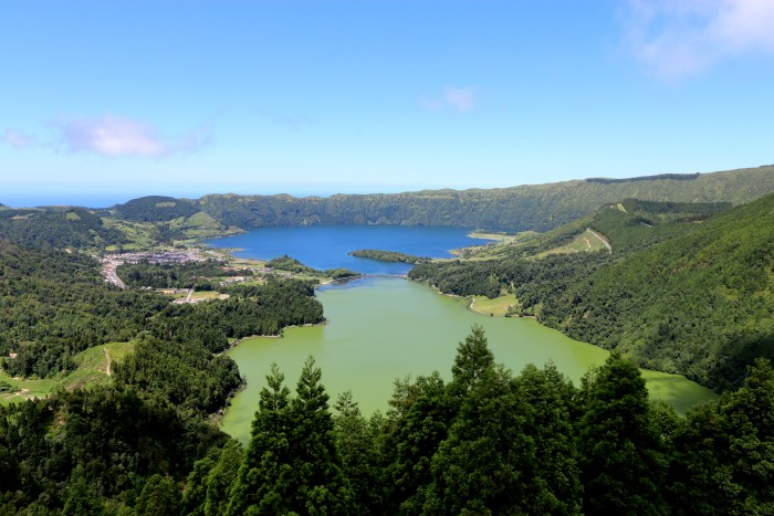 Sete cidades lagoa azul e verde