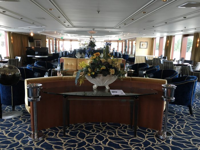 Rivercruise Lounge